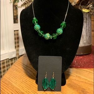 💥4/$10💥 Green Beaded Necklace Set